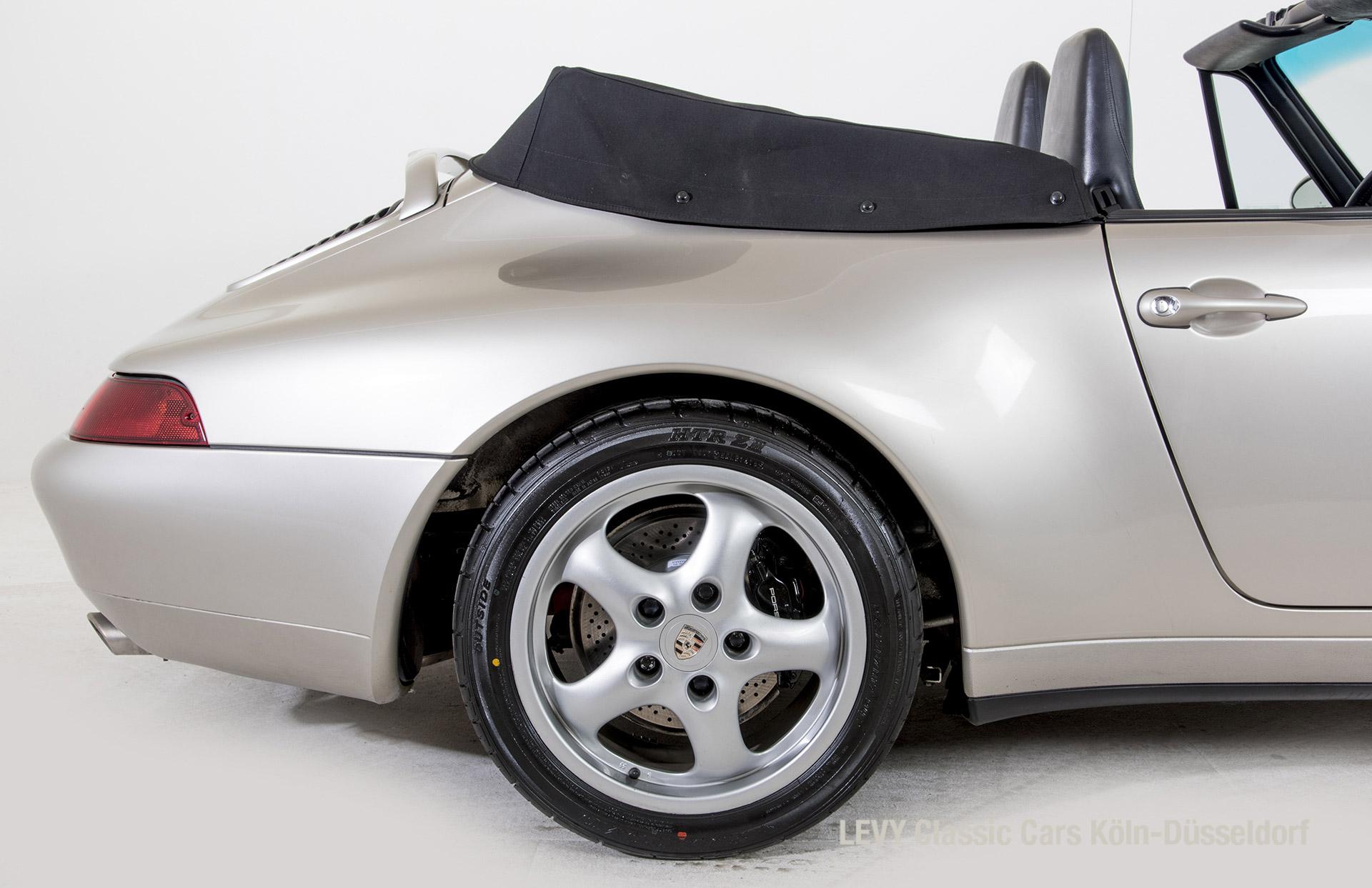 42514 Porsche 38