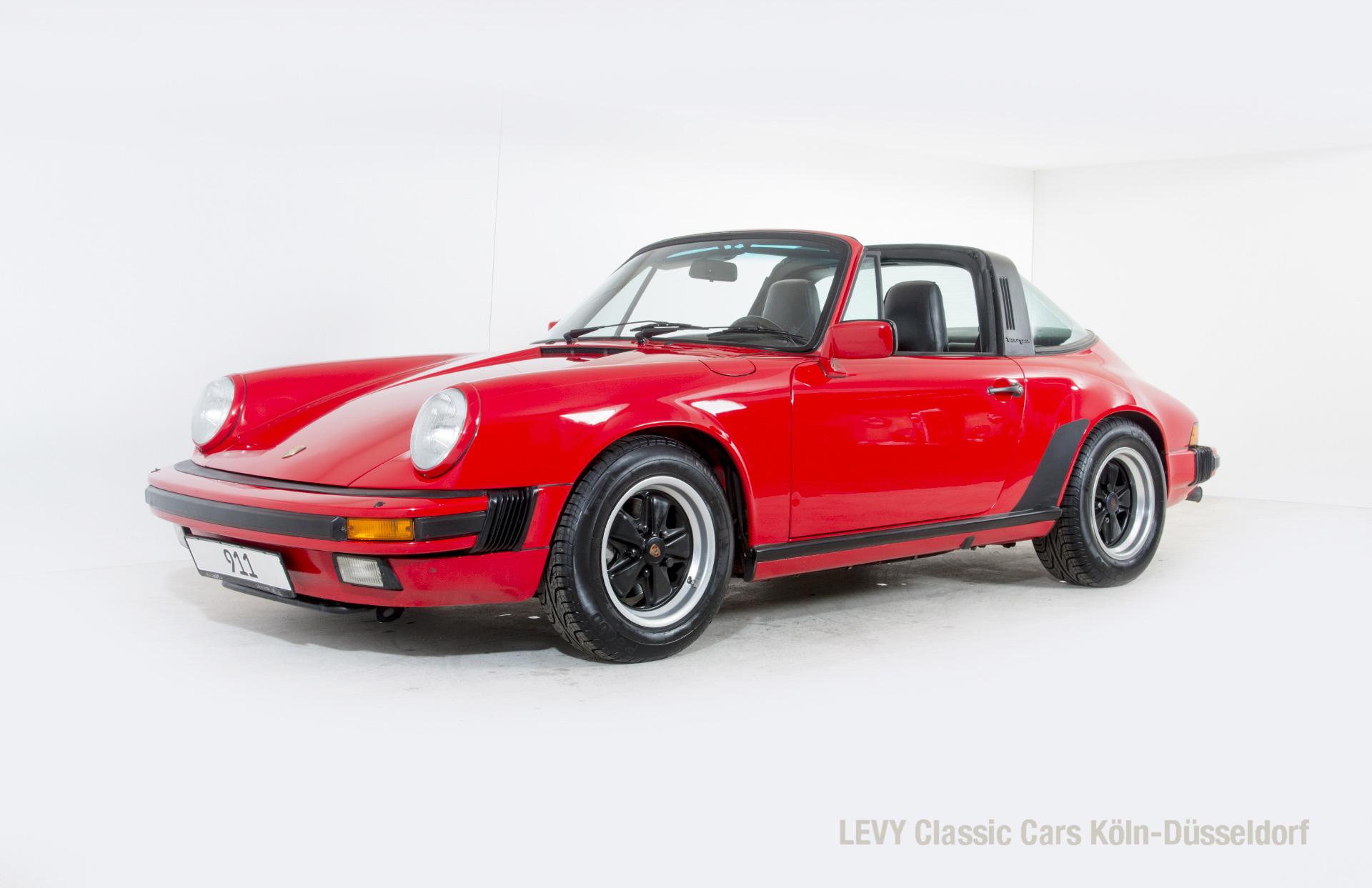 61800 Porsche Targa 15