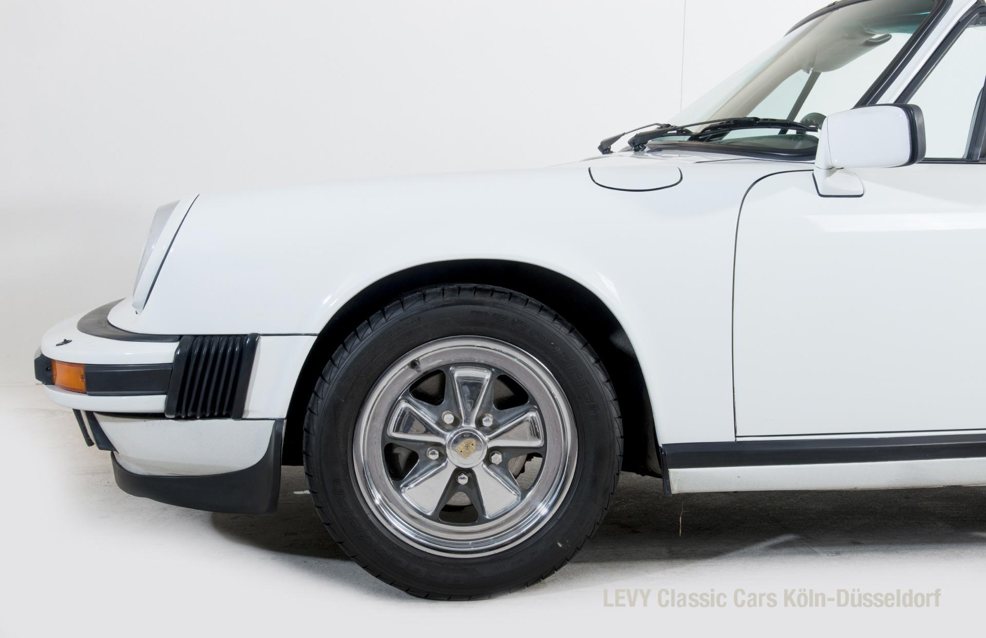 Porsche 911 Targa 61307_12