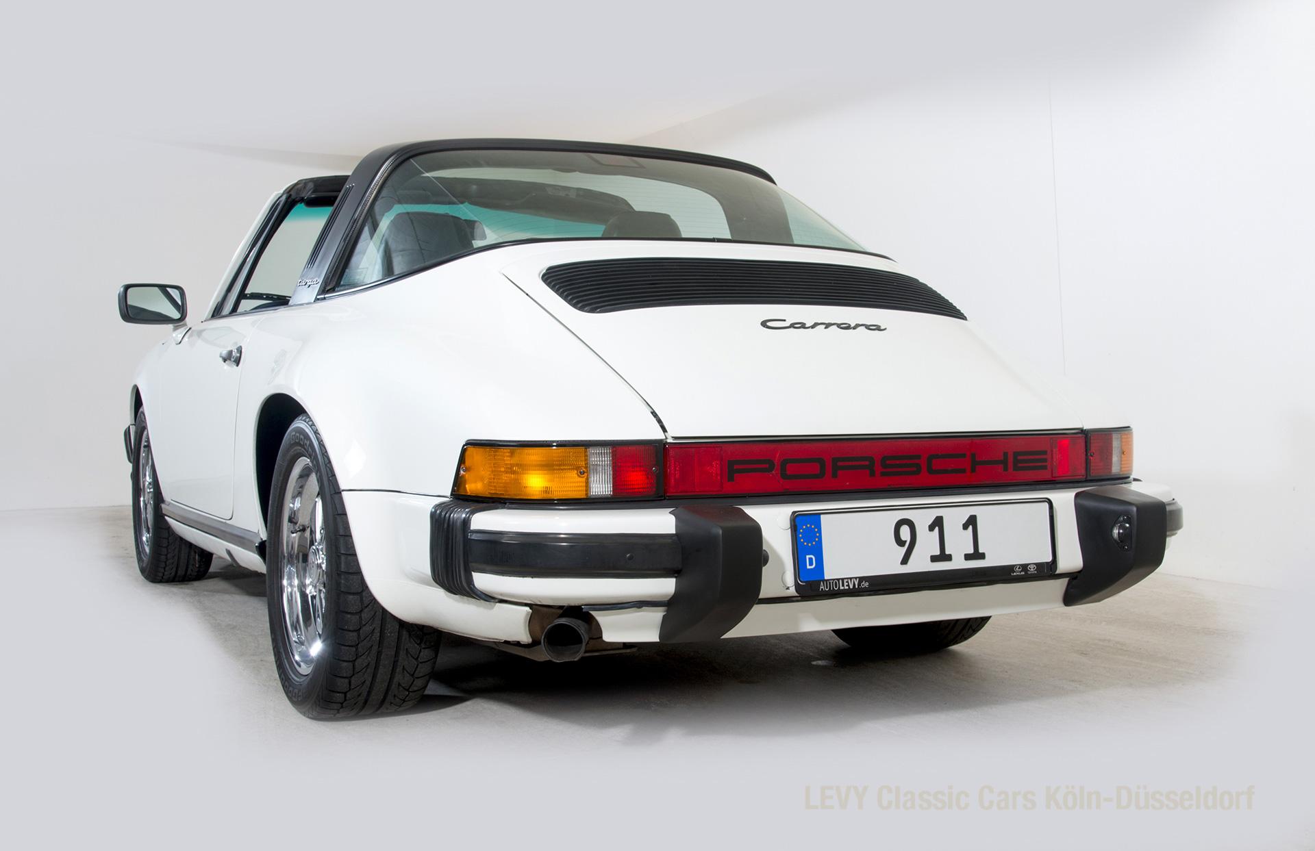 Porsche 911 Targa 61307_19