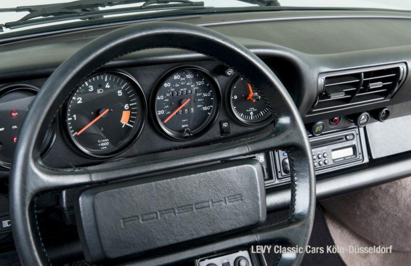 Porsche 911 Targa 61307_28