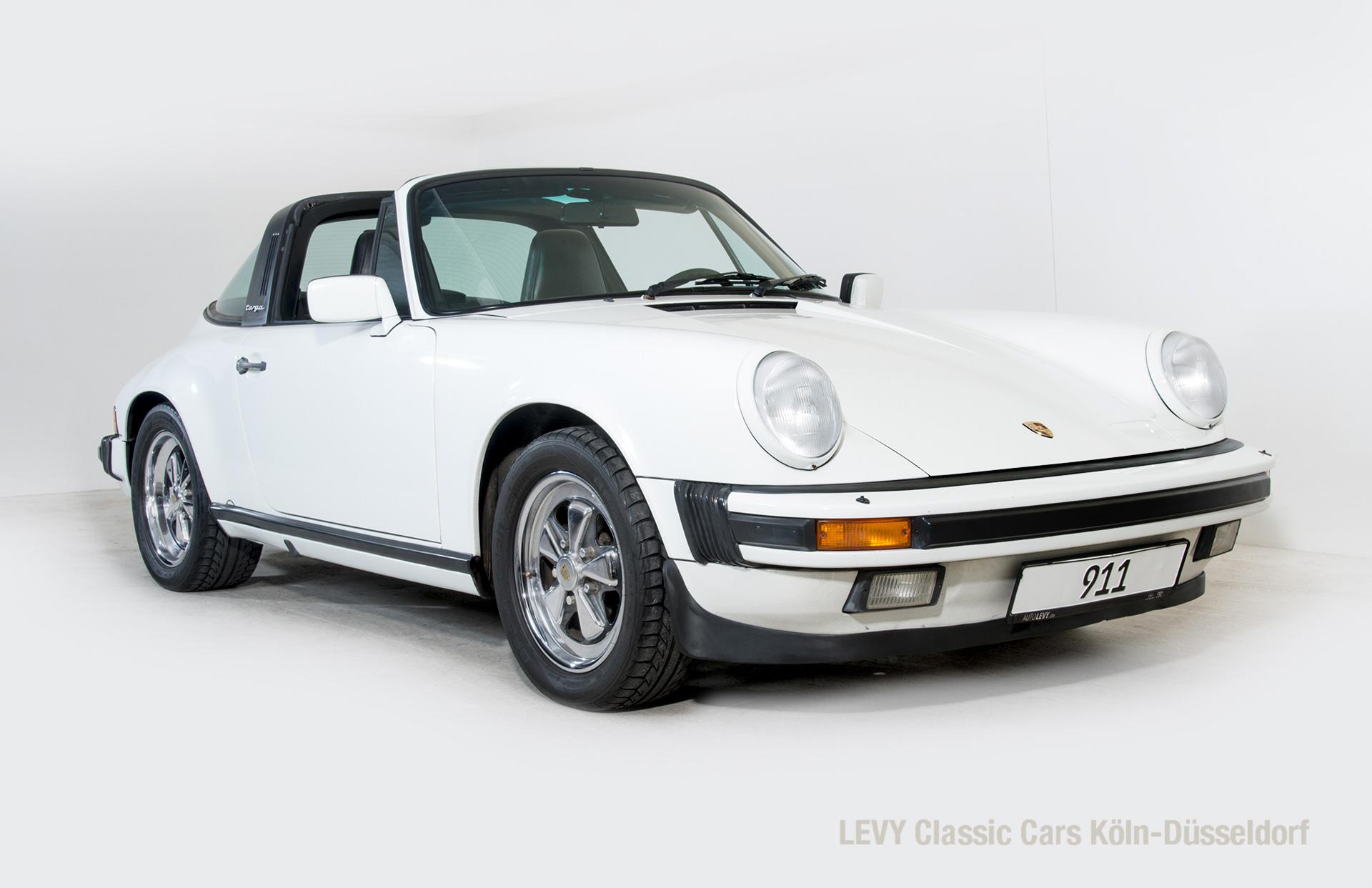 Porsche 911 Targa 61307_37