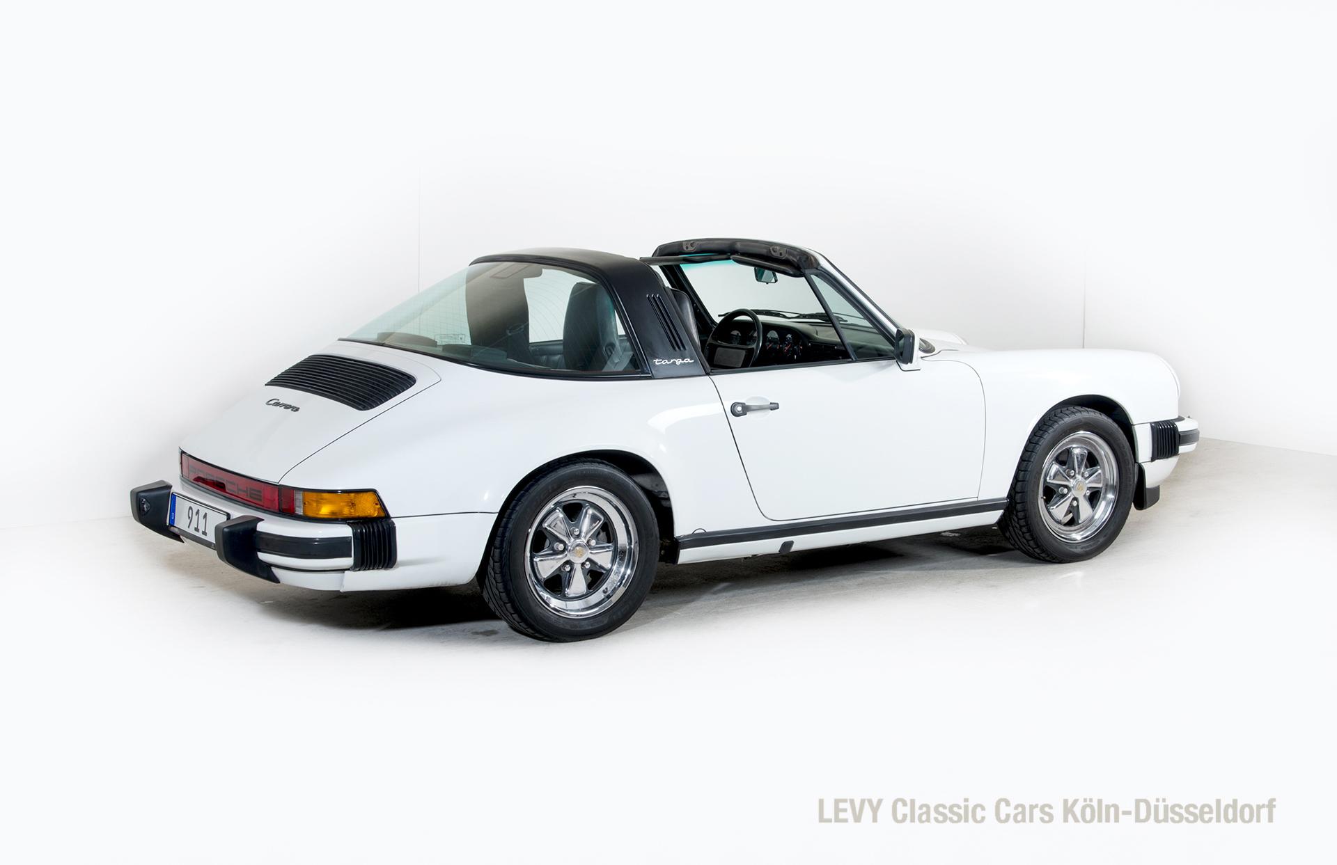 Porsche 911 Targa 61307_43
