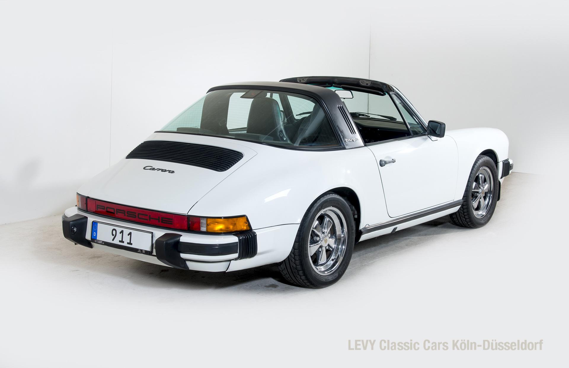 Porsche 911 Targa 61307_44