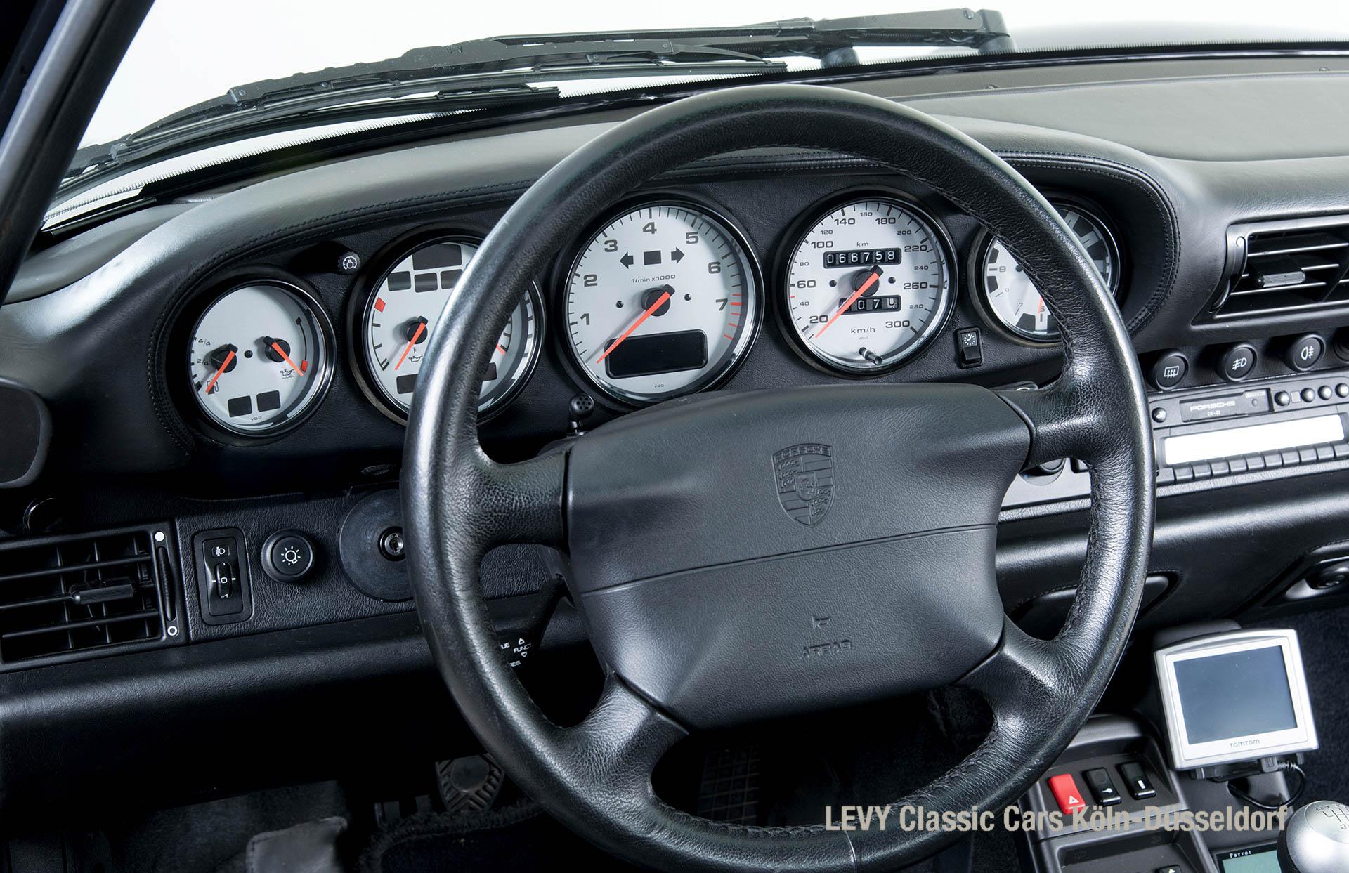 993 Porsche 15171 23