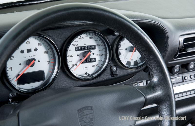 993 Porsche 15171 28