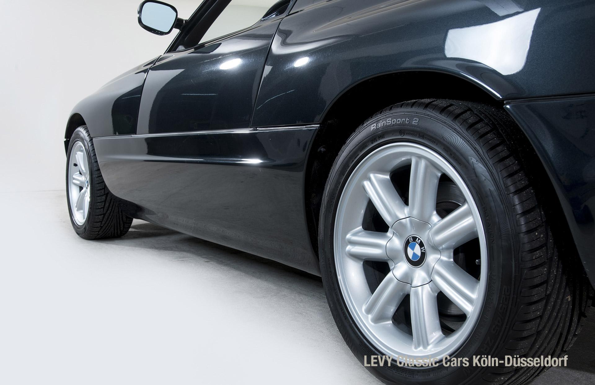 BMW Z1 Schwarz 09