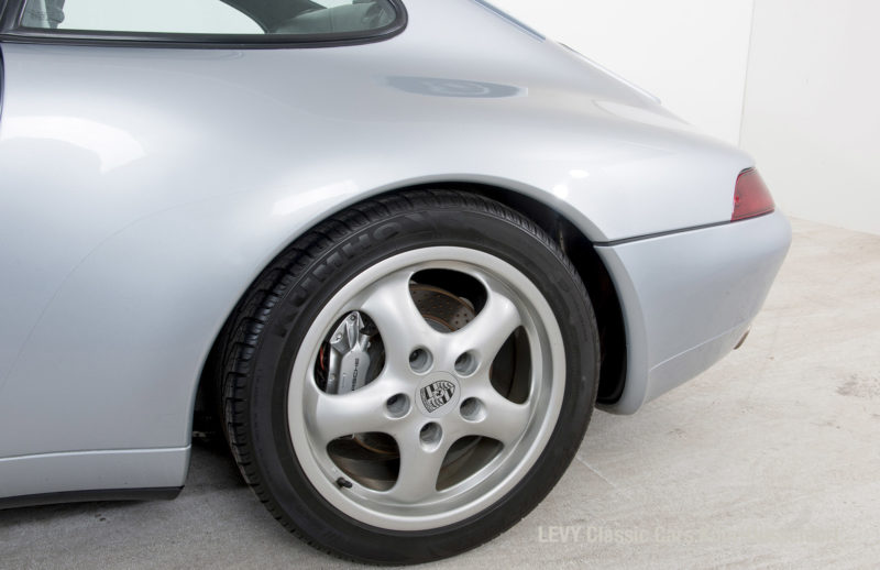 22282 Porsche silber 07