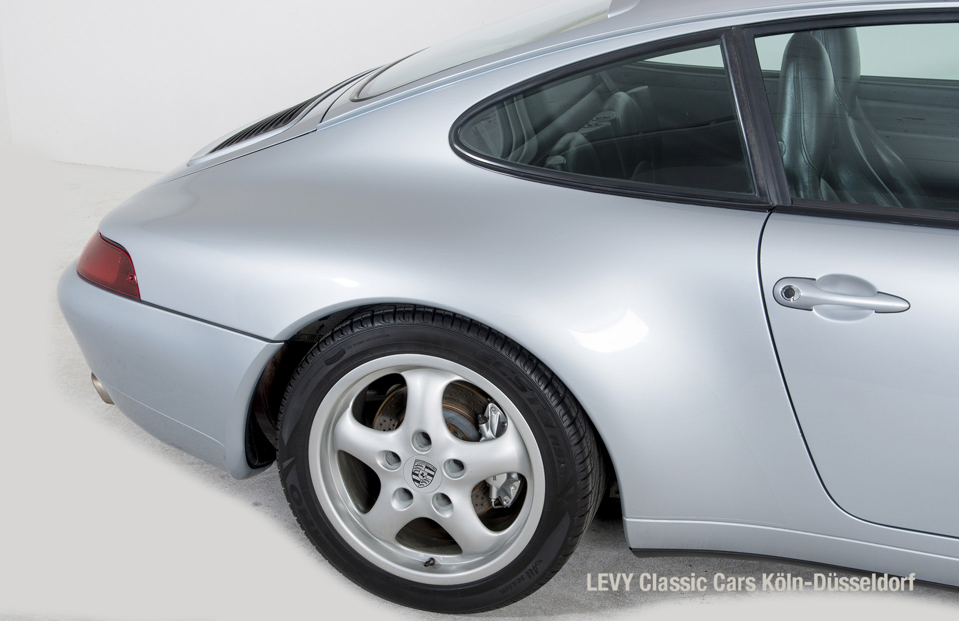 22282 Porsche silber 23