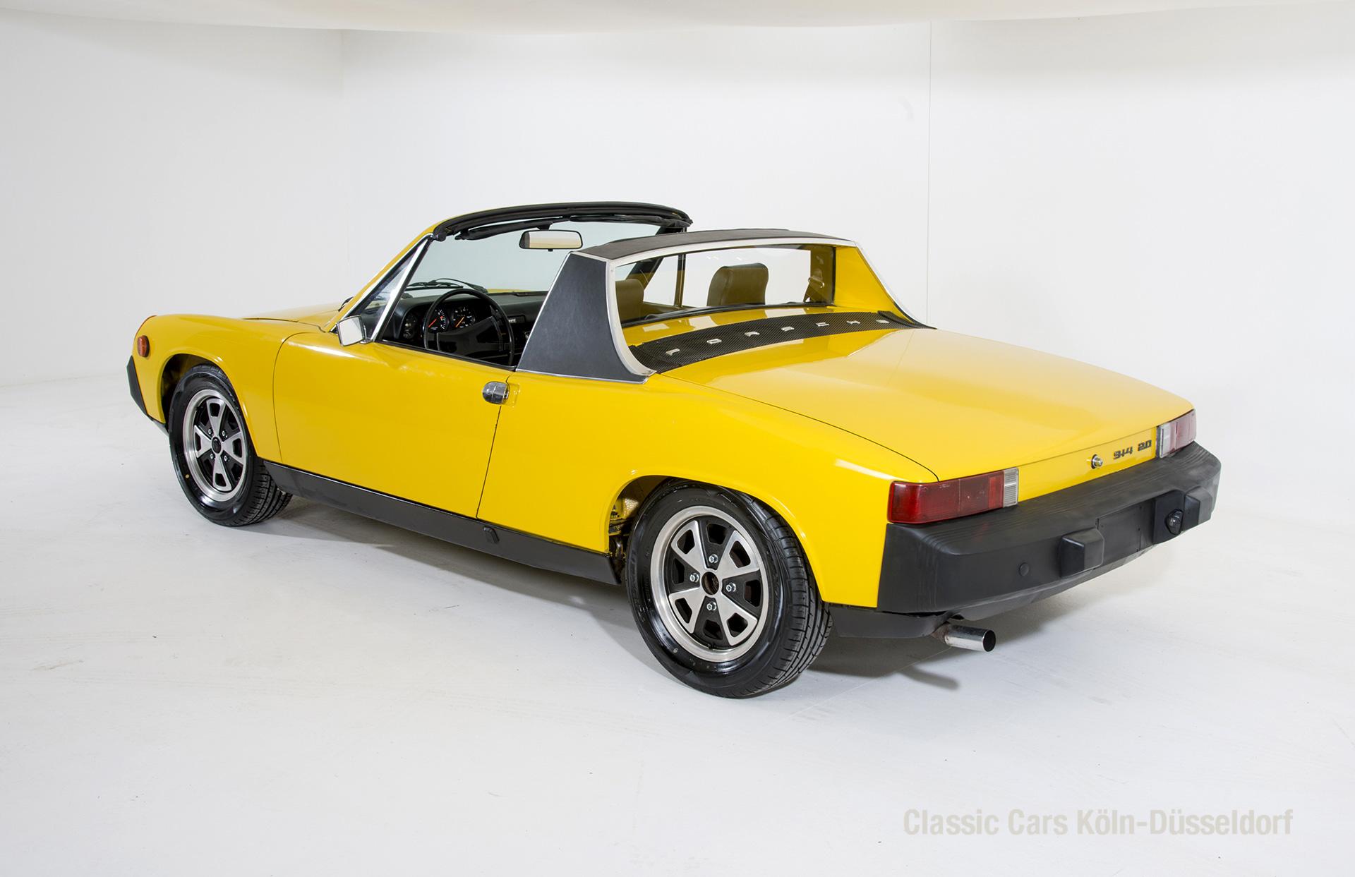 901086 Porsche_33