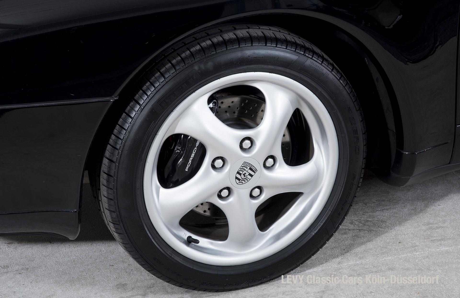 993 Porsche 40444 15