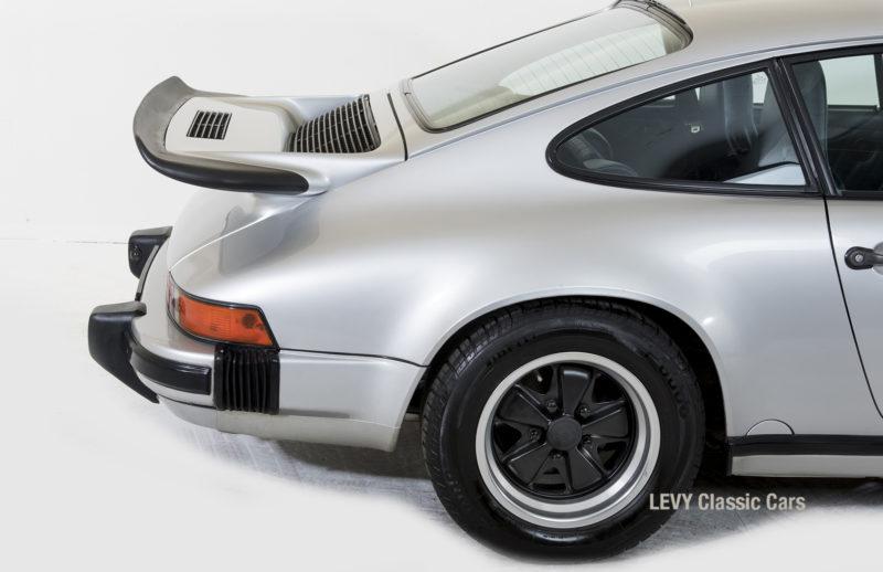 Porsche 911 C silber 03809 09