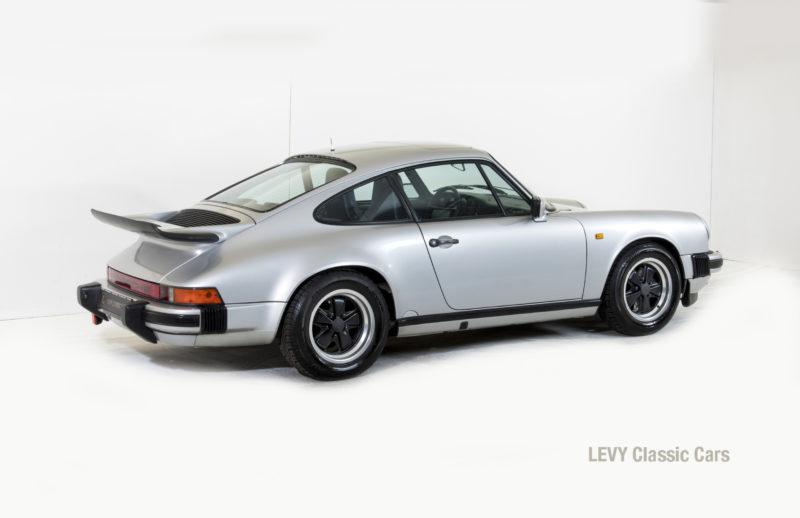 Porsche 911 C silber 03809 10