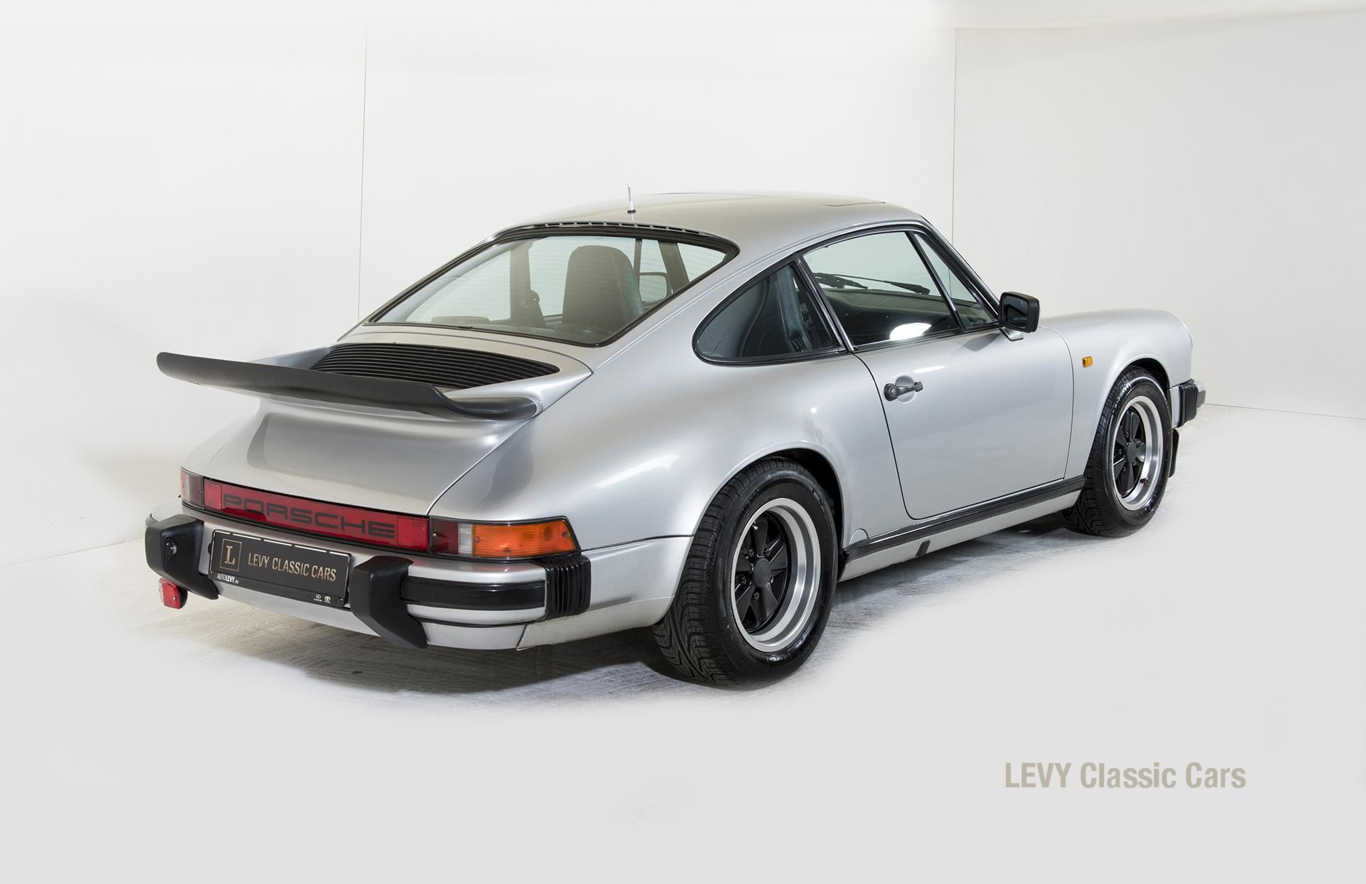 Porsche 911 C silber 03809 11