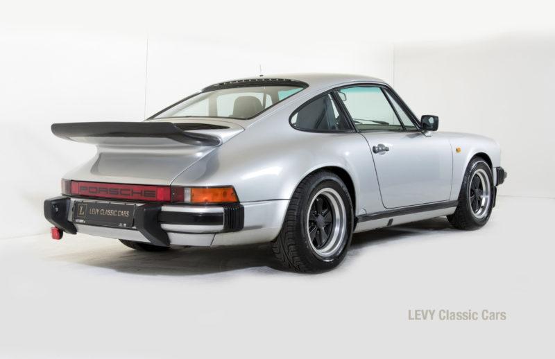 Porsche 911 C silber 03809 12