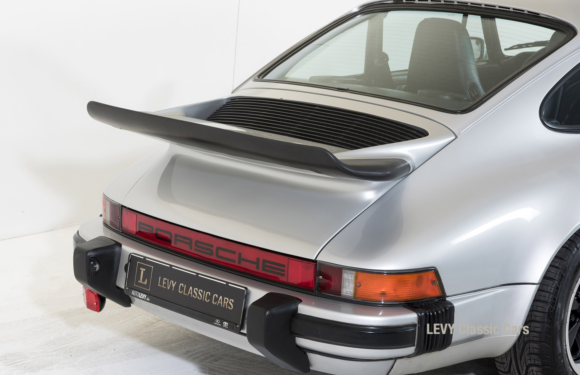 Porsche 911 C silber 03809 14