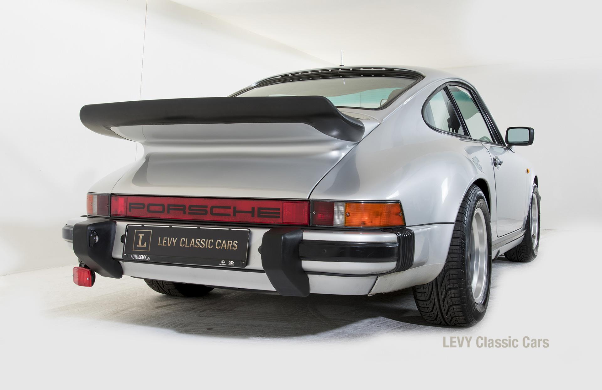Porsche 911 C silber 03809 15