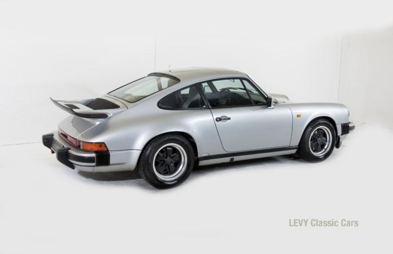 Porsche 911 C silber 03809 17