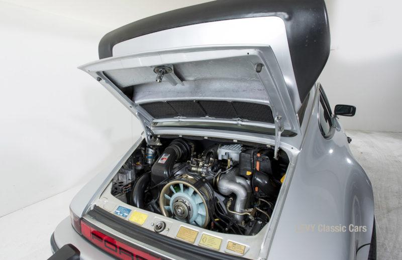 Porsche 911 C silber 03809 18