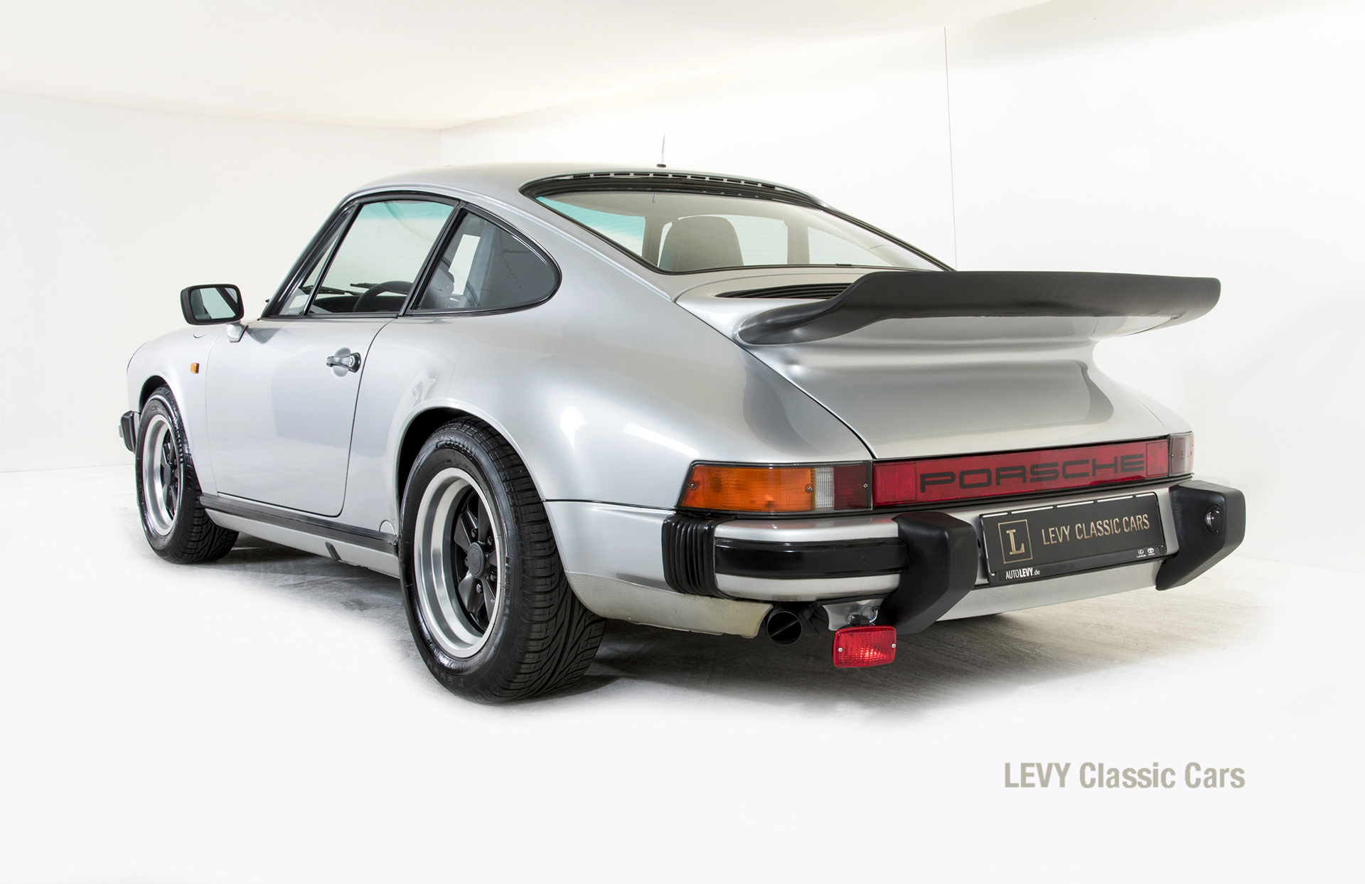 Porsche 911 C silber 03809 30