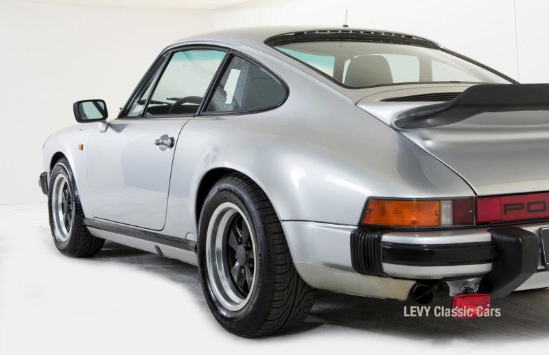 Porsche 911 C silber 03809 31