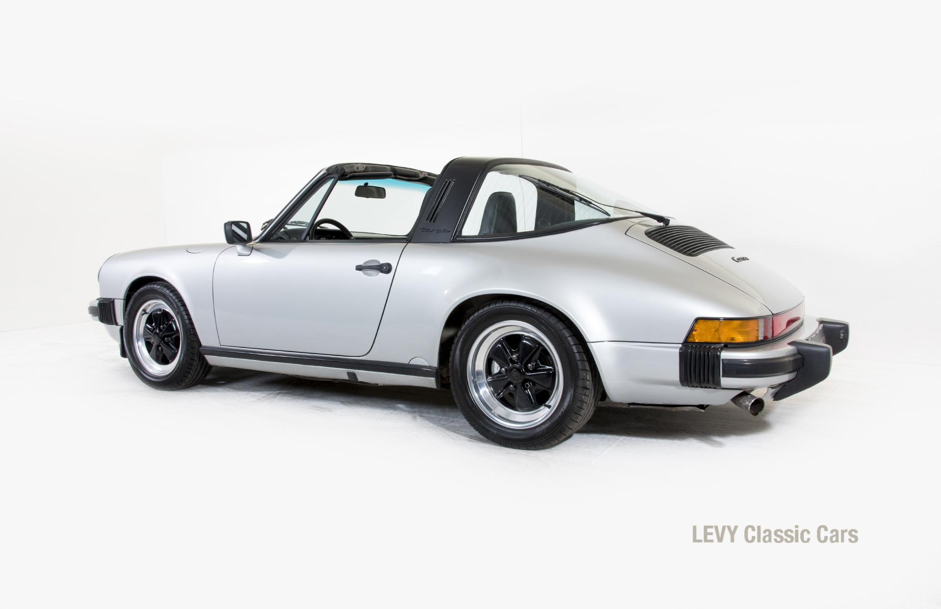 Porsche 911 silber Targa 60287 05_1