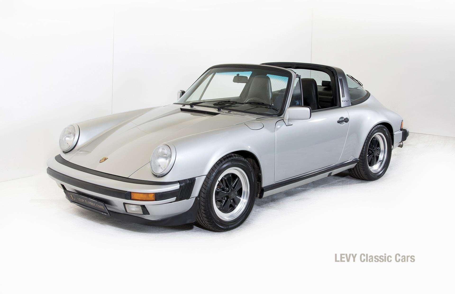 Porsche 911 silber Targa 60287 09_1