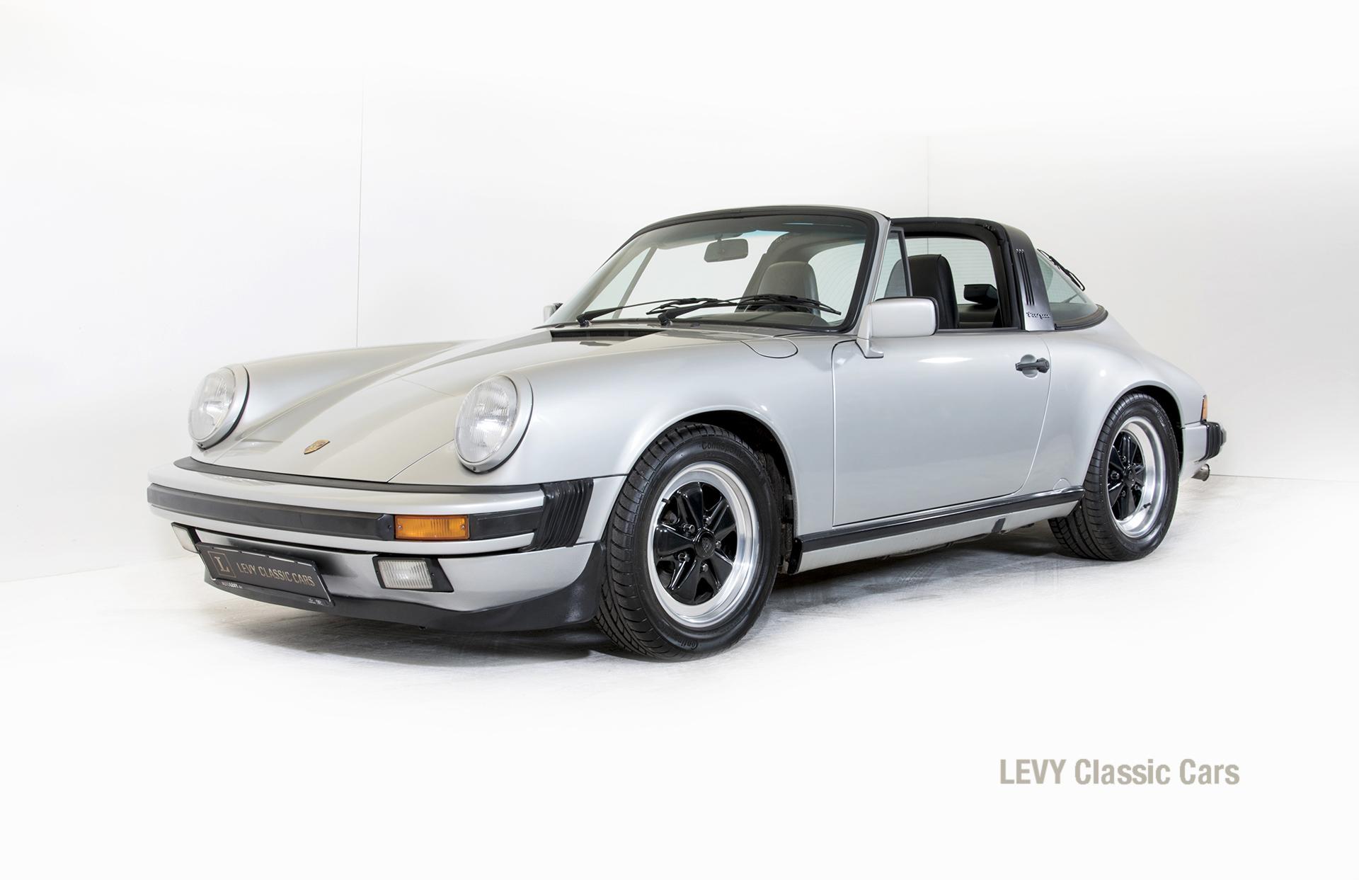 Porsche 911 silber Targa 60287 10_1