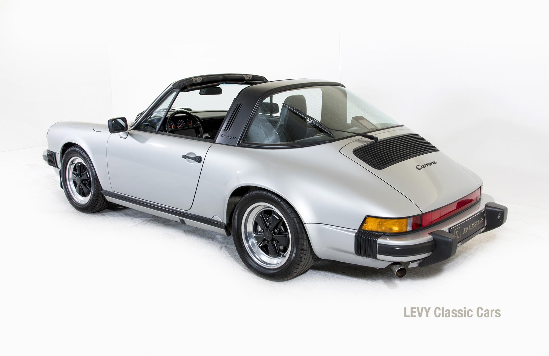 Porsche 911 silber Targa 60287 15_1