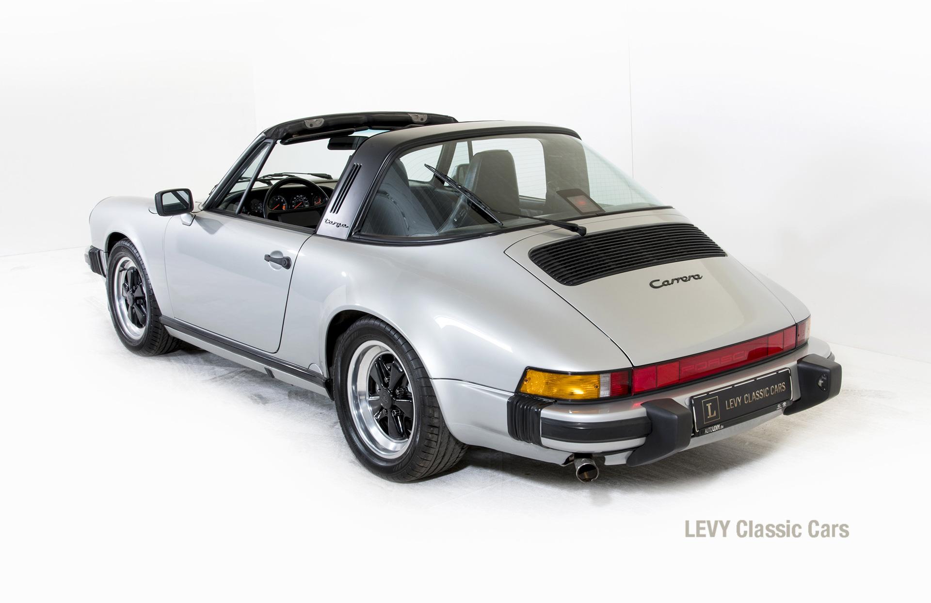 Porsche 911 silber Targa 60287 16_1