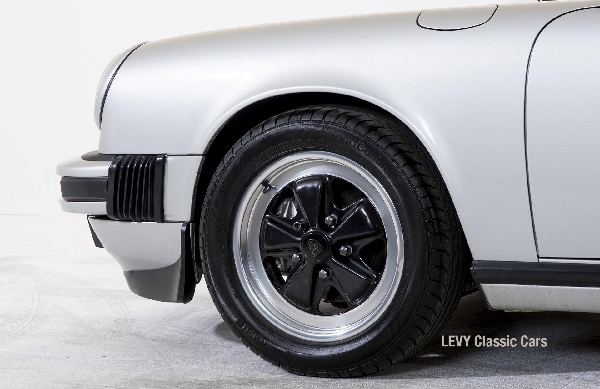Porsche 911 silber Targa 60287 21_1