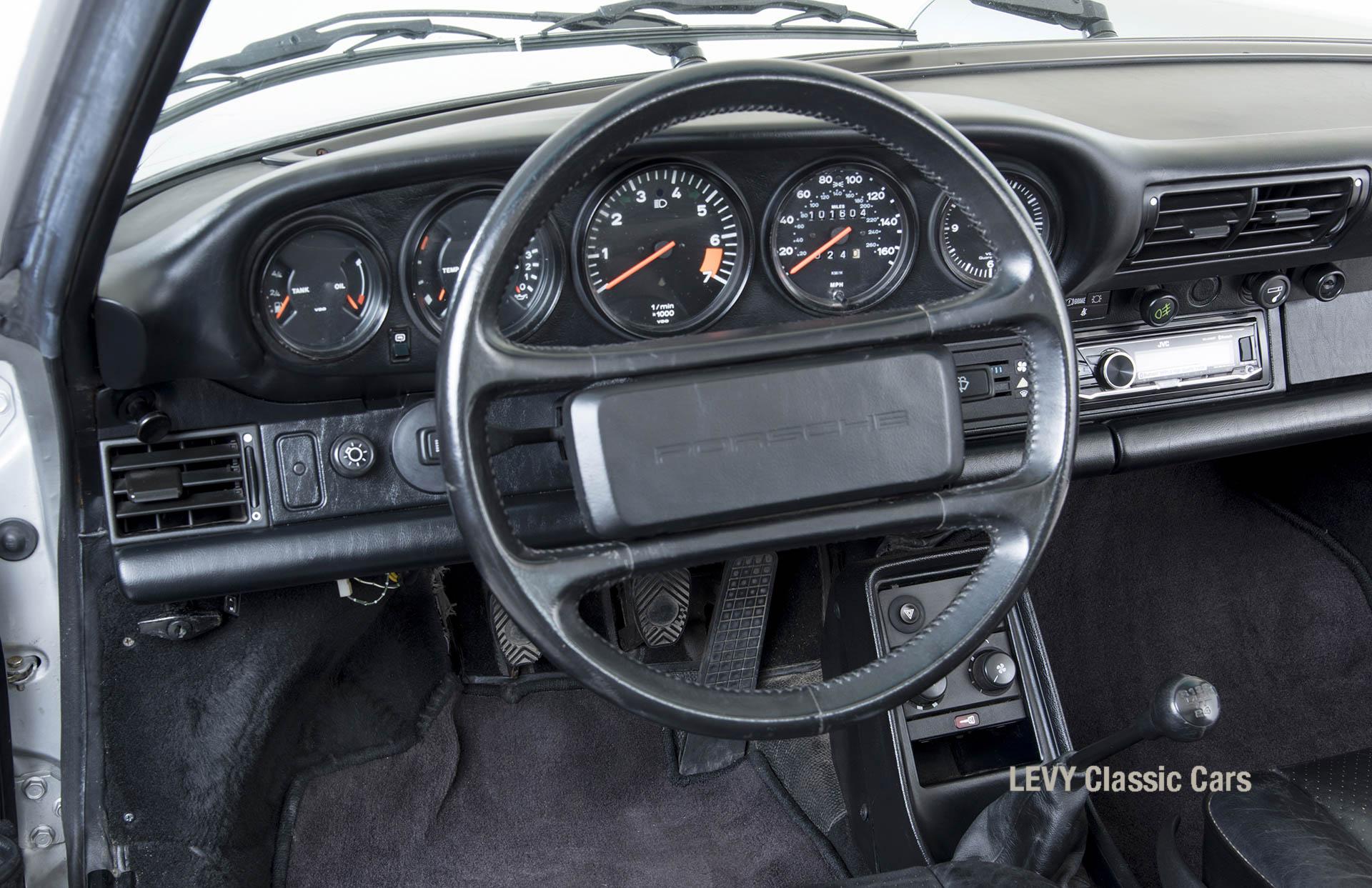 Porsche 911 silber Targa 60287 28_1