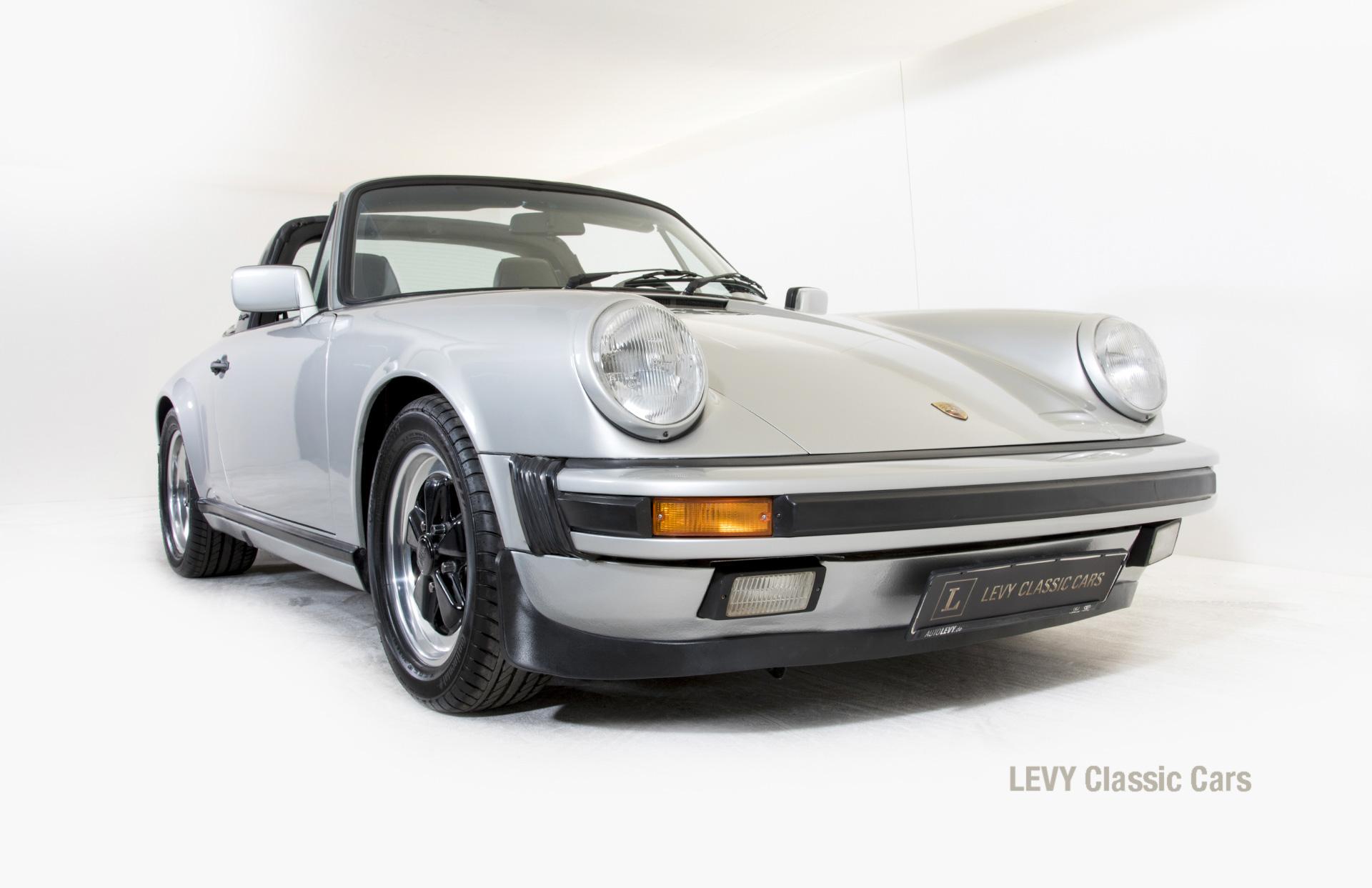 Porsche 911 silber Targa 60287 37_1
