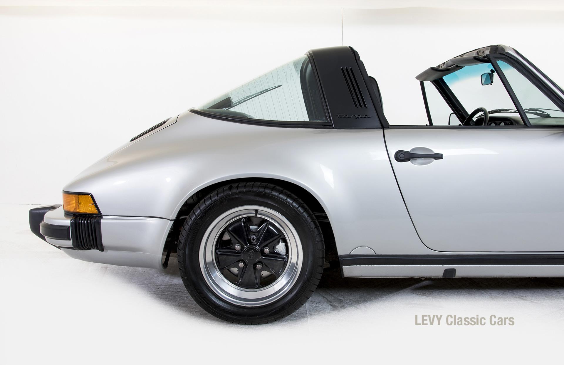 Porsche 911 silber Targa 60287 40_1