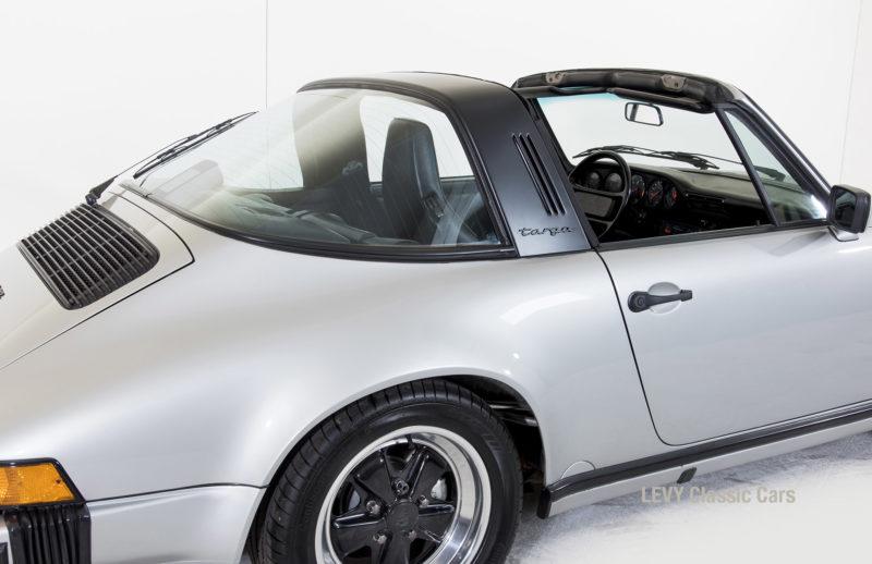 Porsche 911 silber Targa 60287 42_1