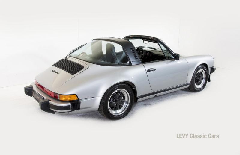 Porsche 911 silber Targa 60287 47_1