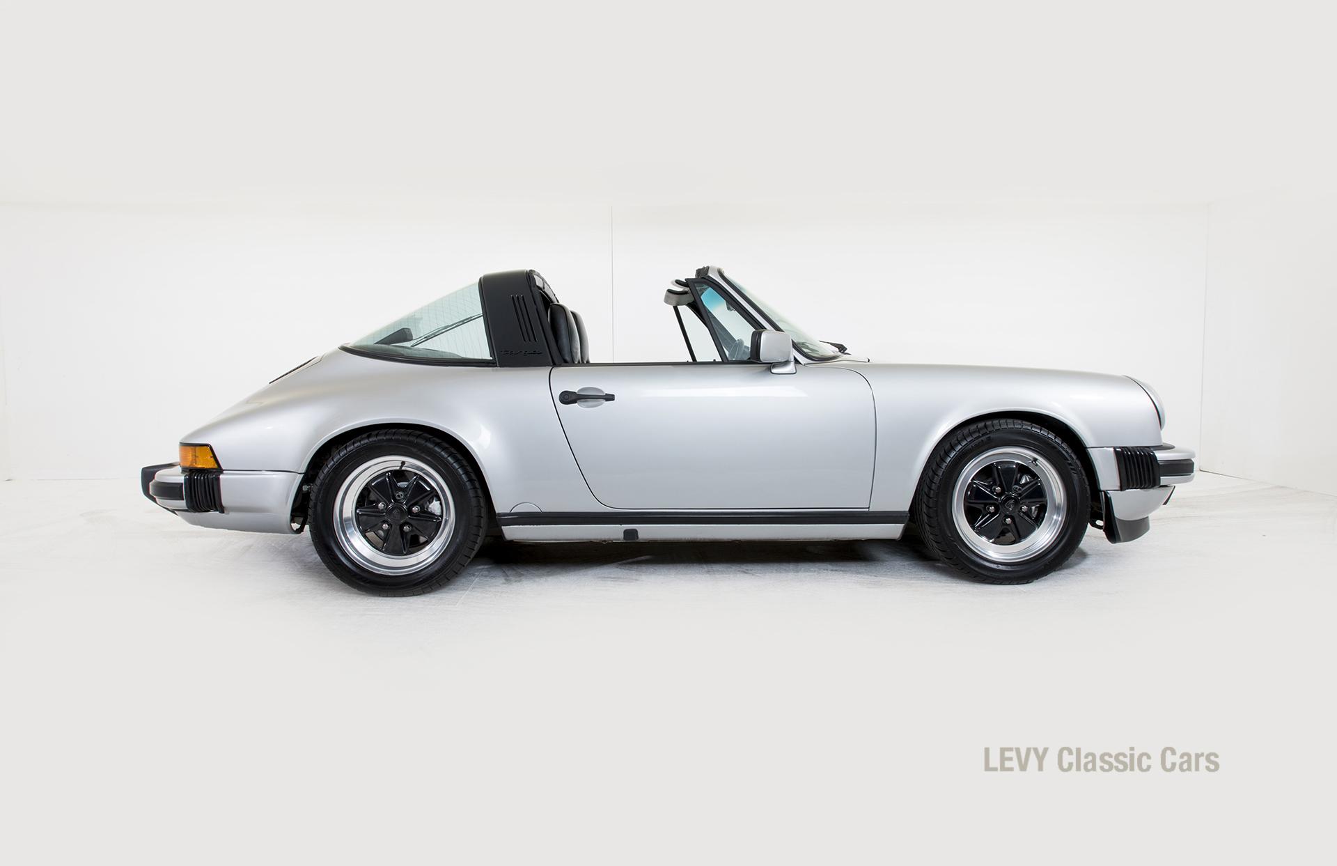 Porsche 911 silber Targa 60287 48_1