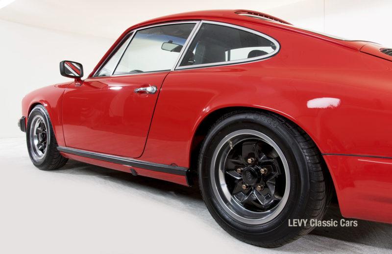 Porsche rot 9117202624 09