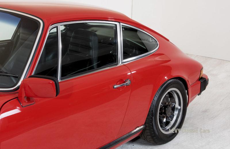 Porsche rot 9117202624 24