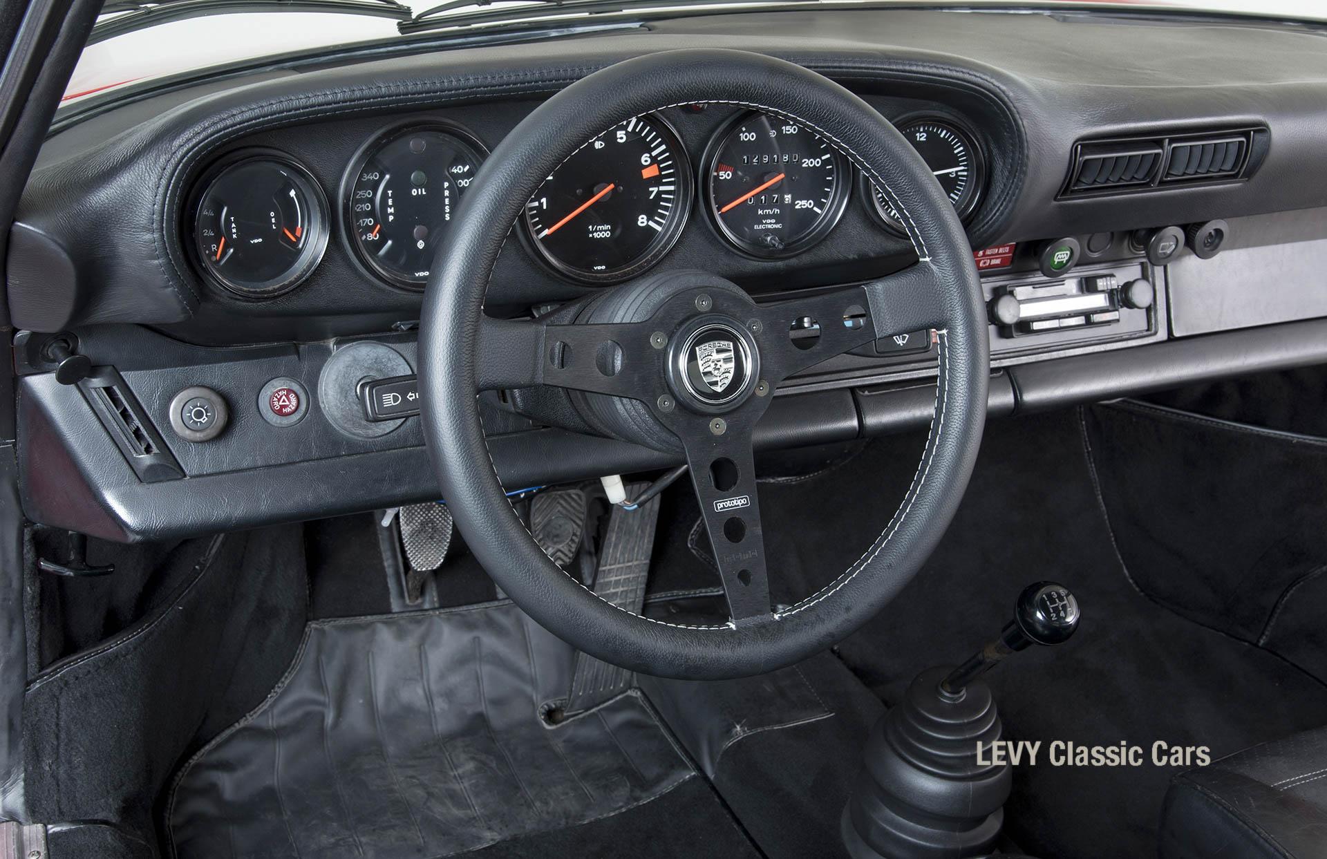 Porsche rot 9117202624 32