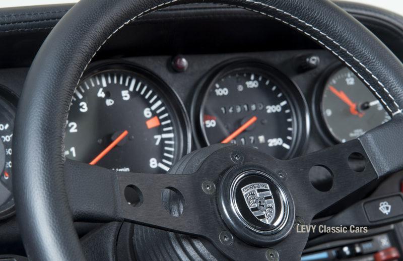 Porsche rot 9117202624 34