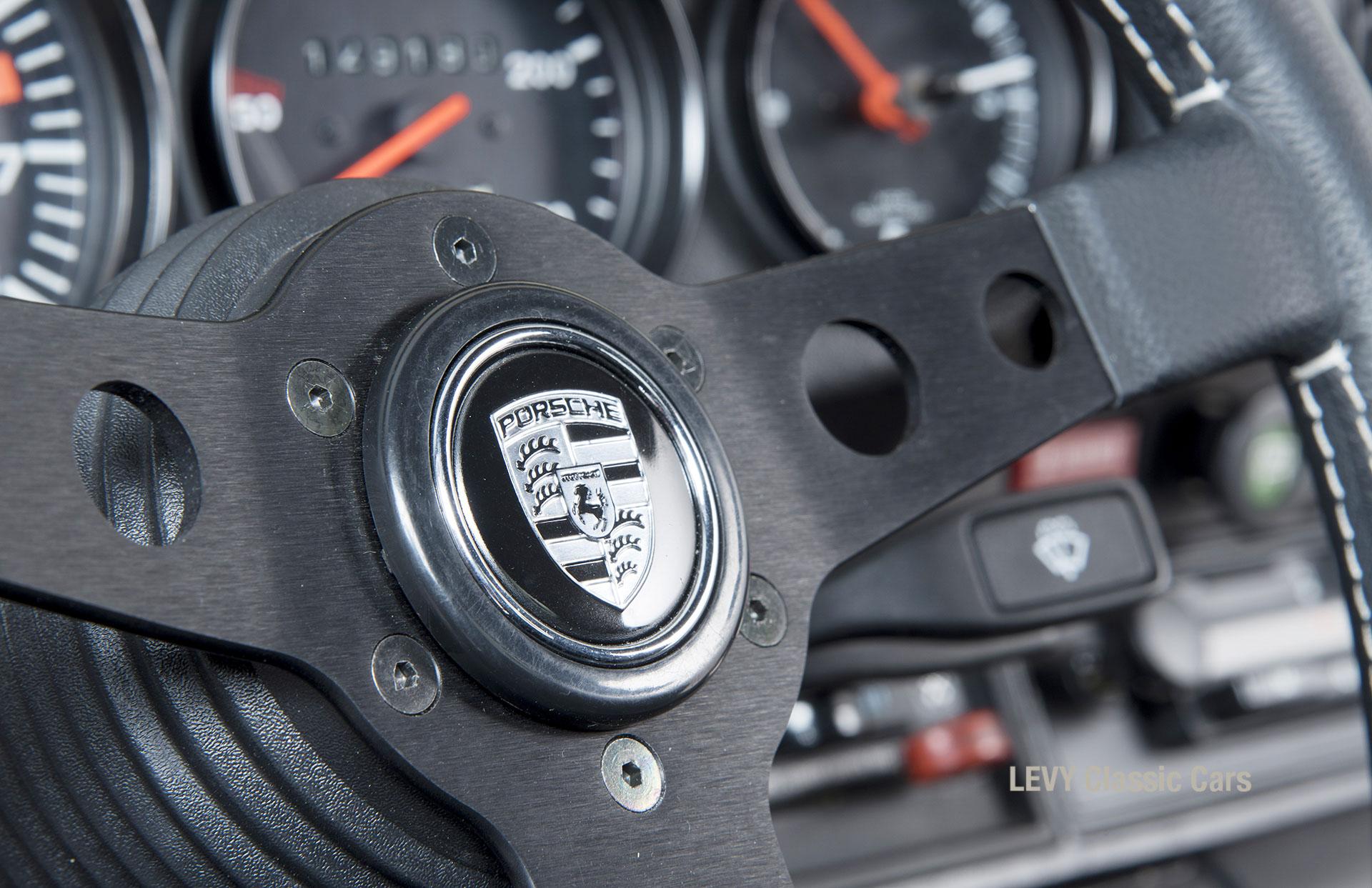 Porsche rot 9117202624 36