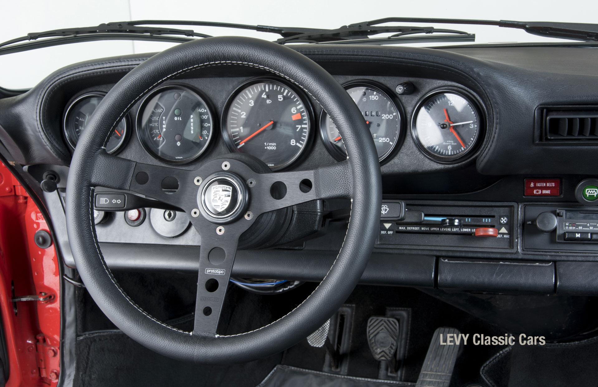 Porsche rot 9117202624 68