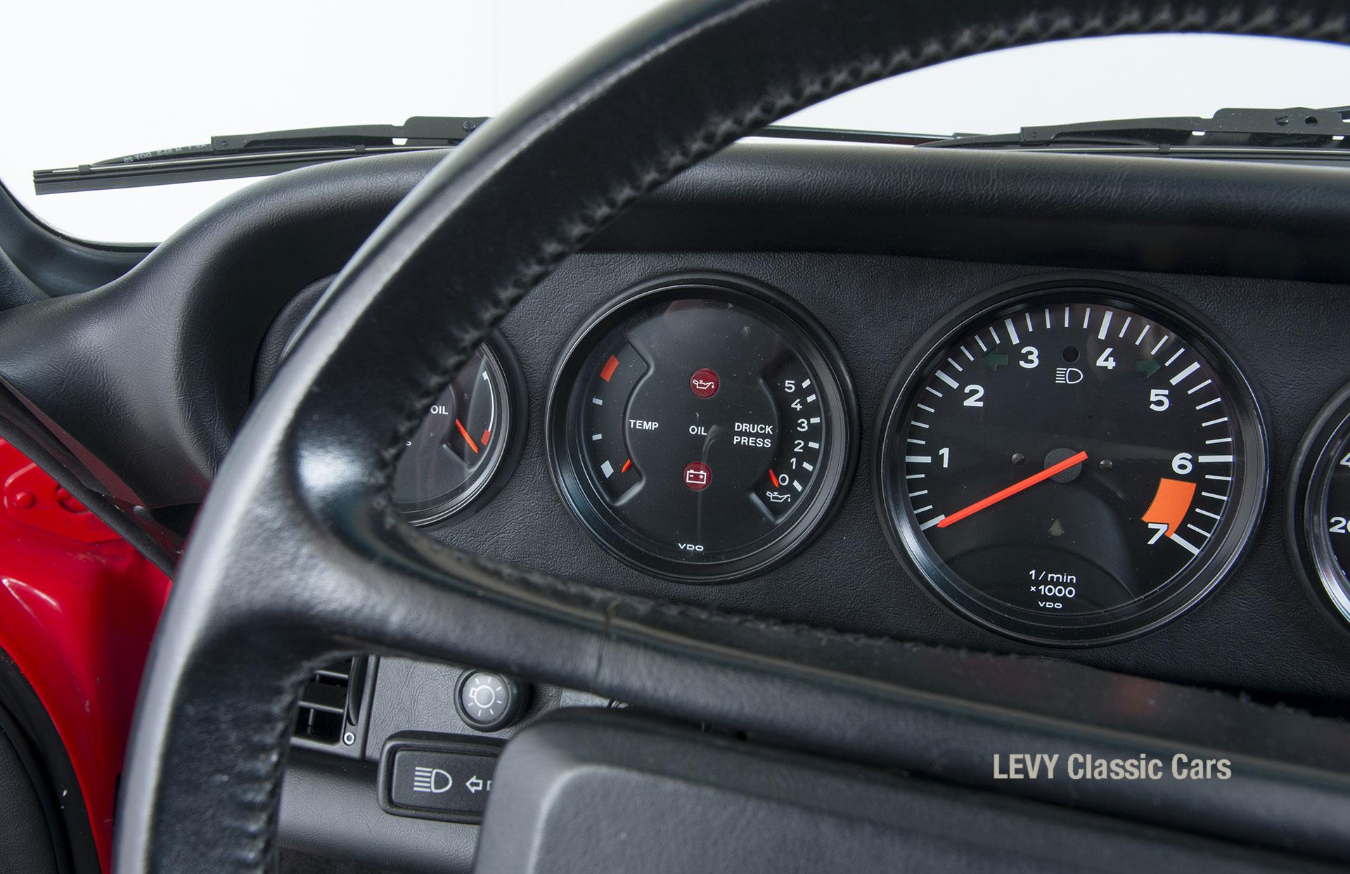 Porsche 911 Targa 60903_69
