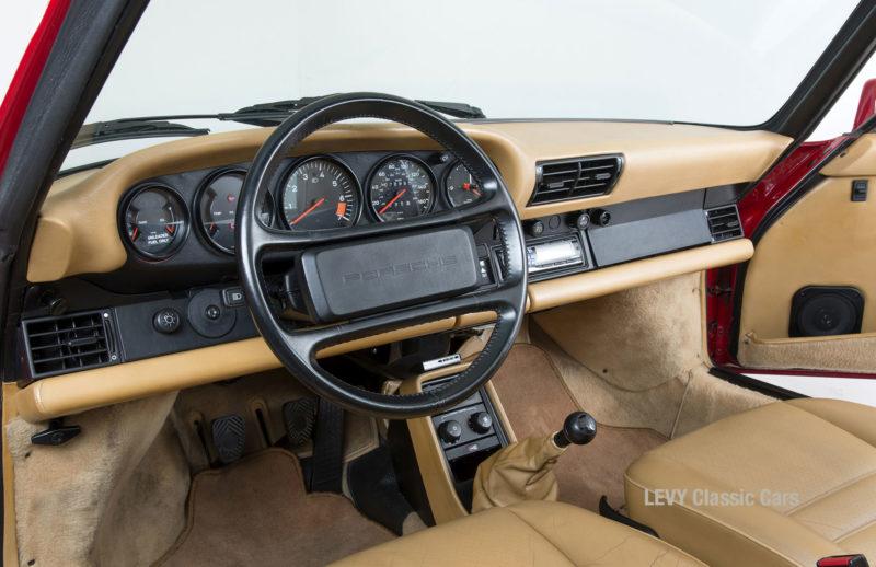 Porsche 911 Targa 61138_31