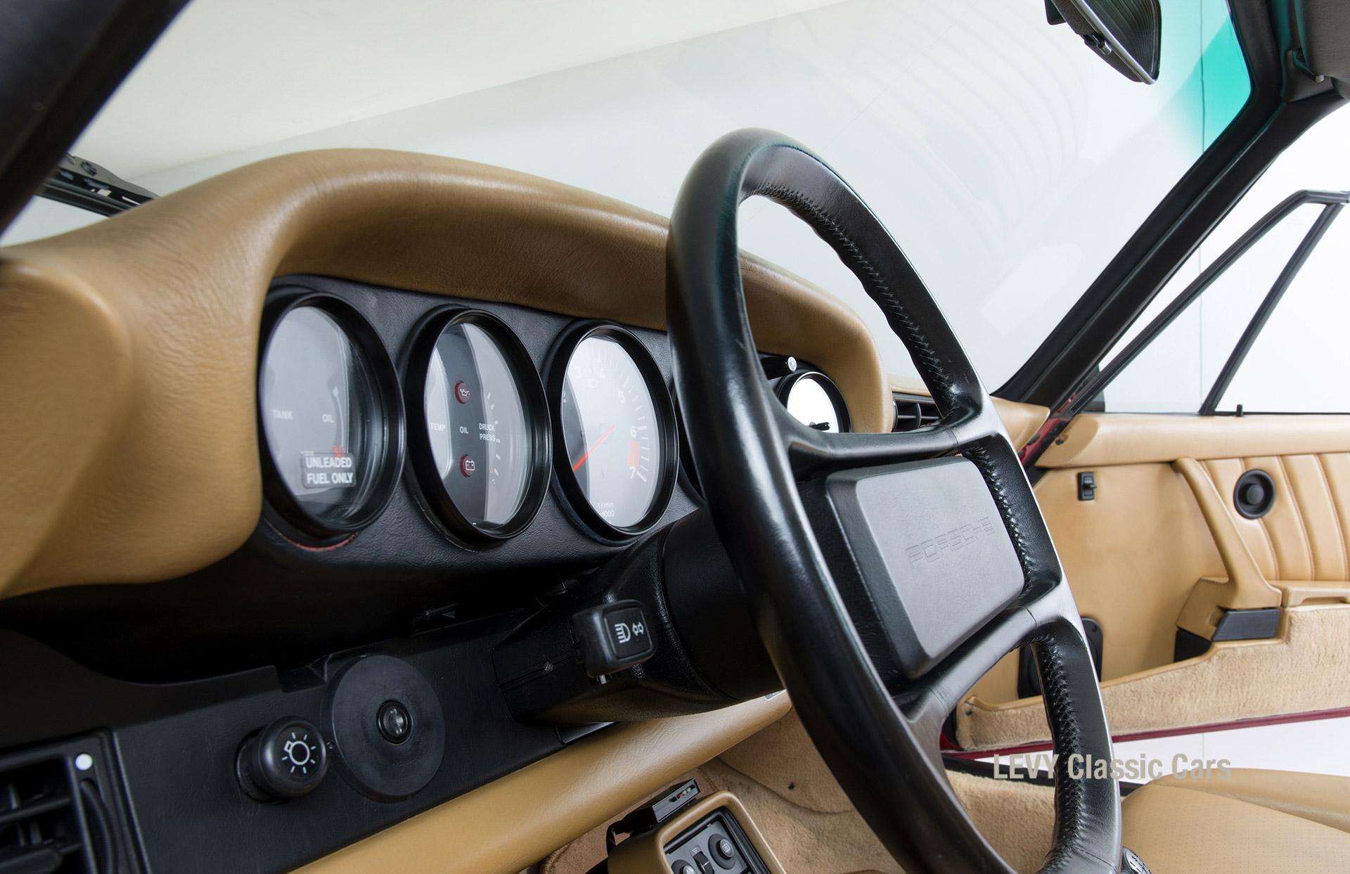 Porsche 911 Targa 61138_34