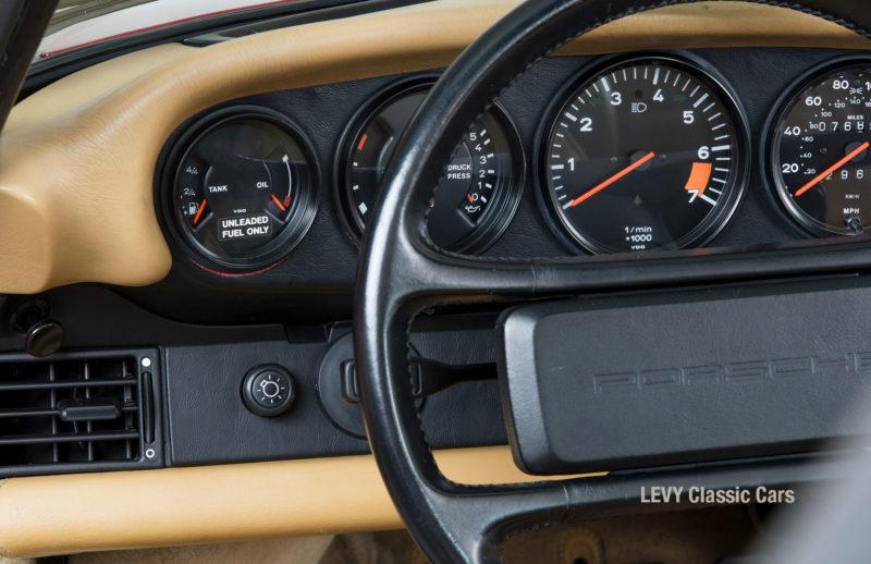 Porsche 911 Targa 61138_37