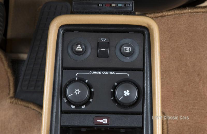 Porsche 911 Targa 61138_38