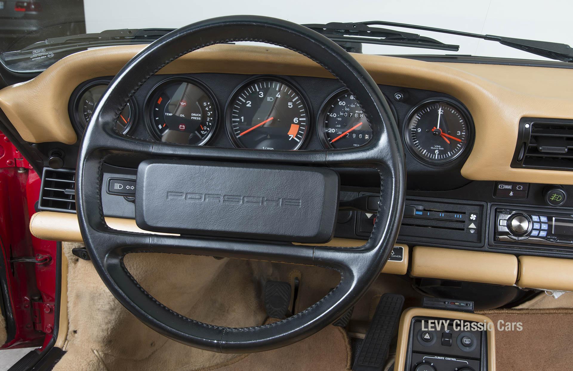 Porsche 911 Targa 61138_39