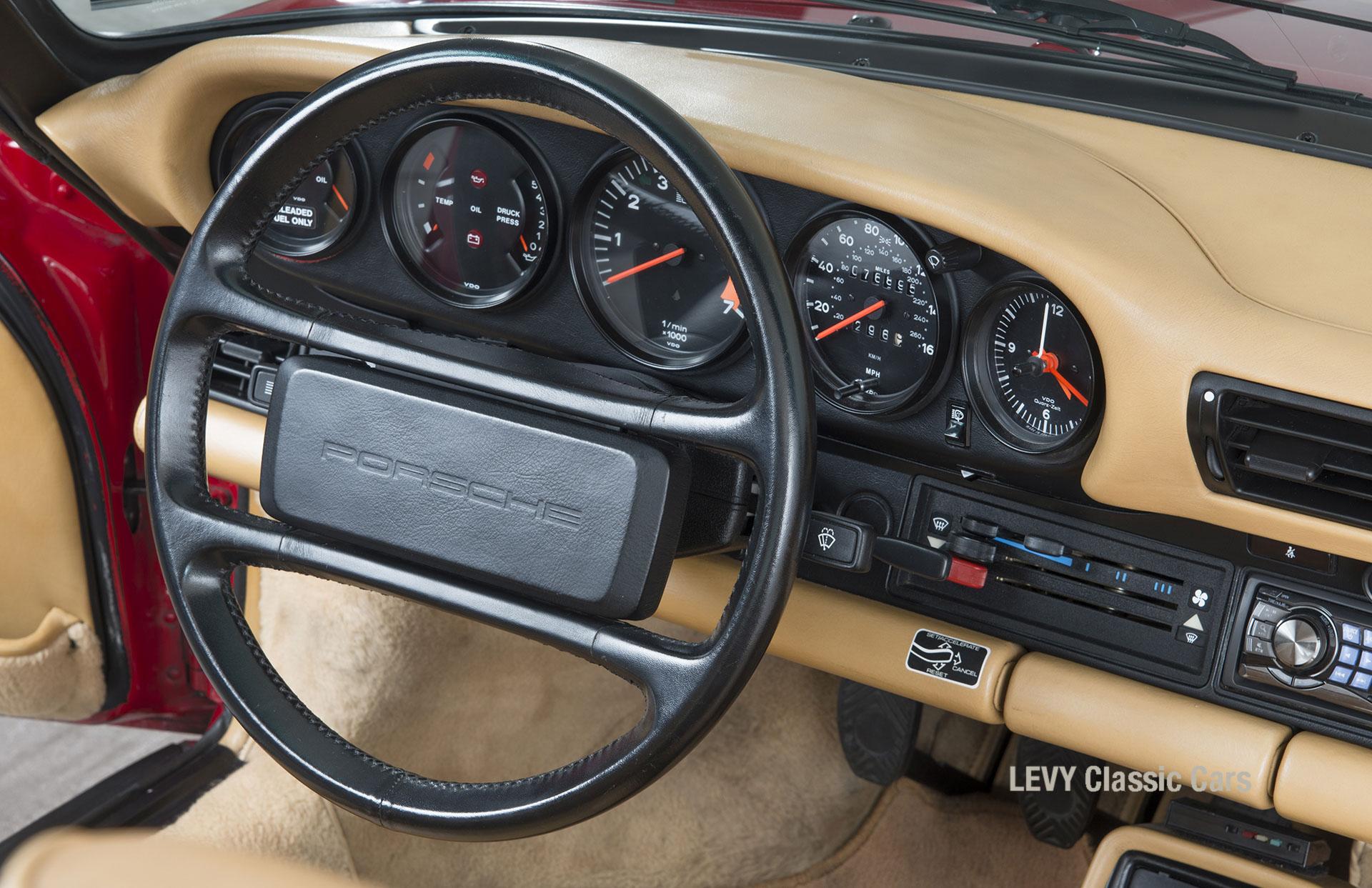 Porsche 911 Targa 61138_41